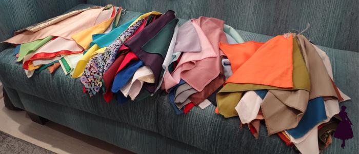 Como ves tienen un montón de telas separadas por estación para ir viendo cuáles colores favorecen.