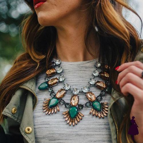 Collar Statement elegante