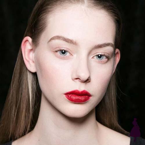 Maquillaje para fiestas labios rojos