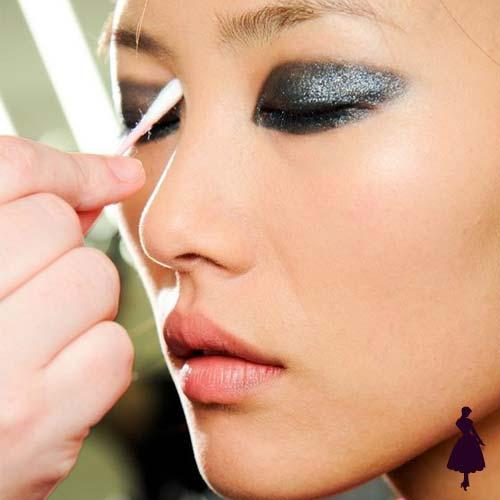 Maquillaje para fiestas metalizado