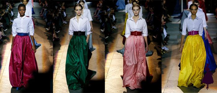 Colección de Carolina Herrera falda y blusa blanca