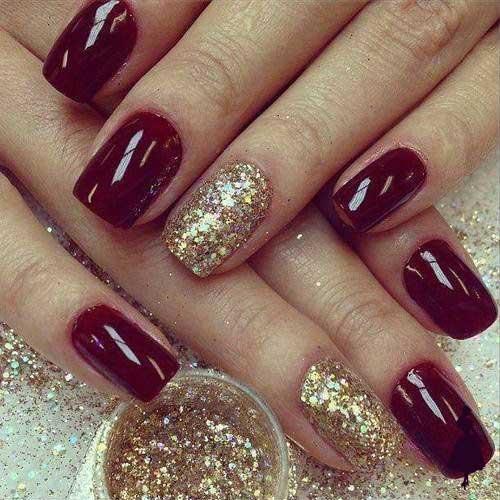 Diseños de uñas color burdeo glitter