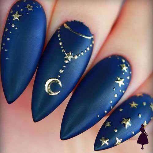 Uñas azul marino con estrellas